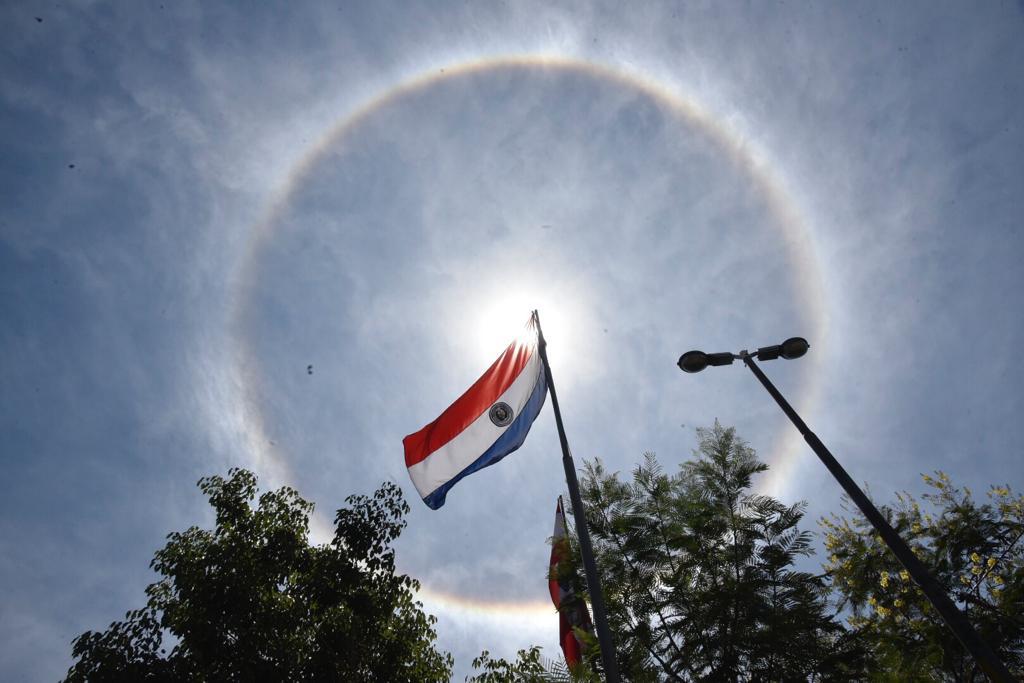 Halo Solar Resplandece En El Cielo Asunceno Nacionales Abc Color